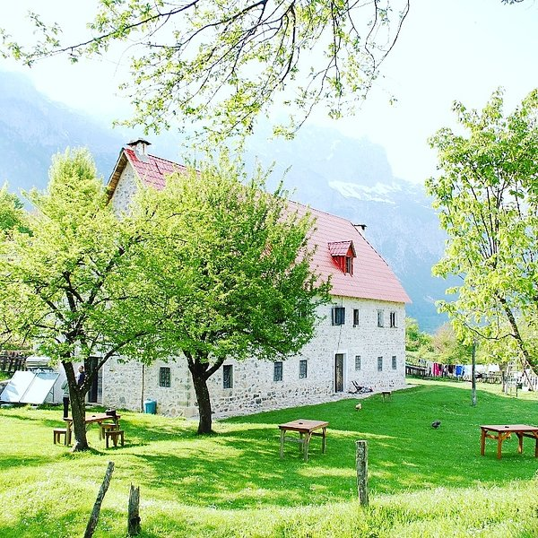 guesthouse dritan tethorja, holiday rental in Shkoder County