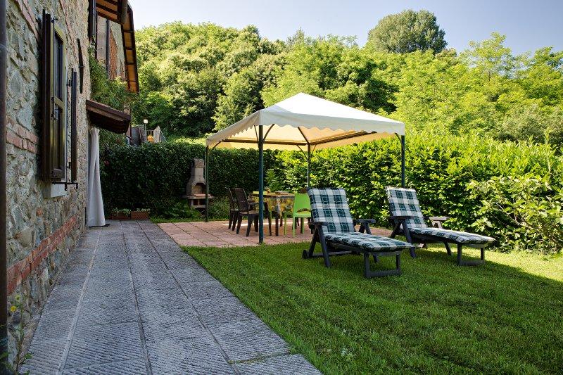 Amazing house with terrace & Wifi, aluguéis de temporada em Castelnuovo di Garfagnana