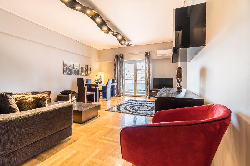 A Luxury 3-Bedroom Apt in Athens, alquiler vacacional en Atenas