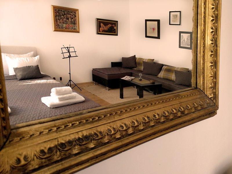 Mirror look to the main room