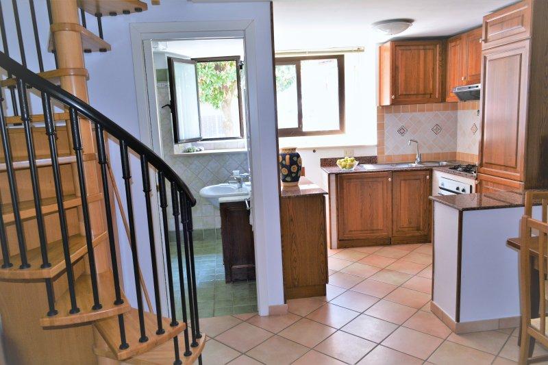 Appartamento Le Magnolie a formia, vacation rental in Maranola