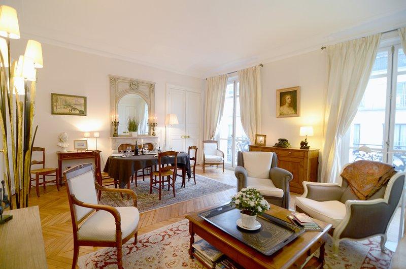 2 bedroom Parisian Luxury next to Champs-Elysées, holiday rental in Paris