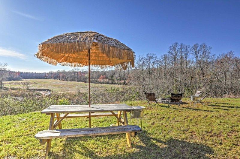 Esta bela casa de férias cabana fica em 20 hectares de terras privadas.