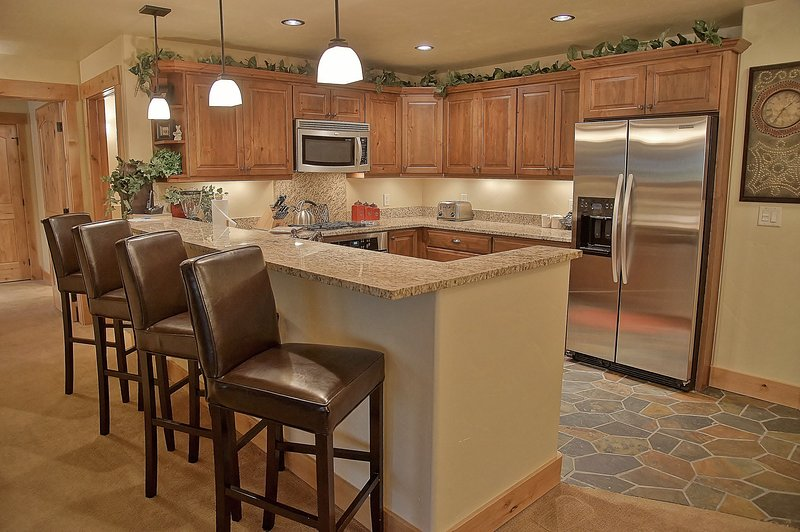 Fully Equipped Kitchen and Bar plus lots of little extras in the cabinets