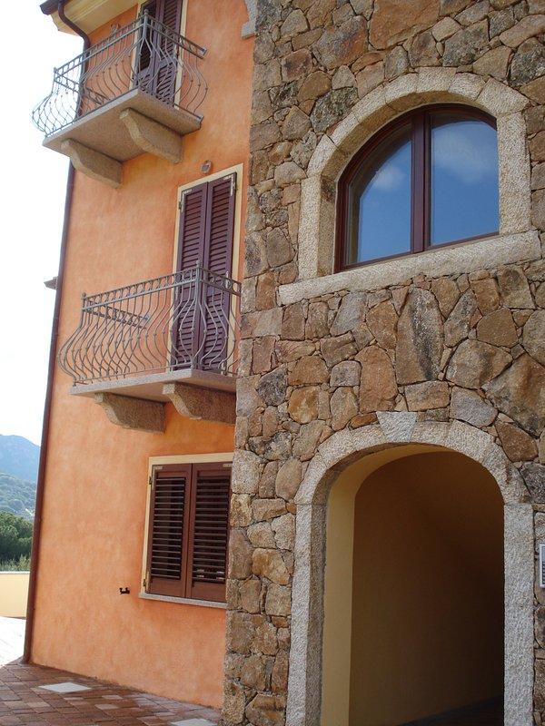 Koel en comfortabel vakantie-appartement, voorzien van alle comfort voor de versoepeling van de vakantie.
