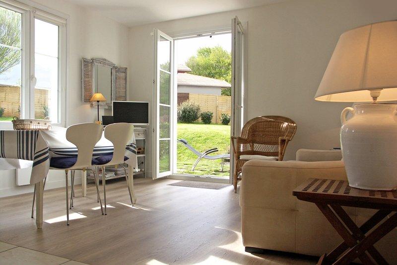 Appartment Ihi-Toki, sunny garden apartment in a breathtaking location, alquiler vacacional en Sare