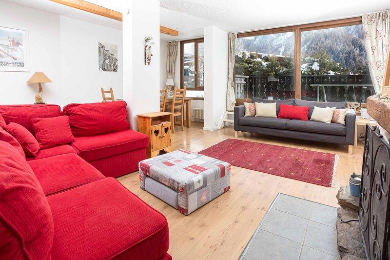 Open plan living area - leading onto balcony