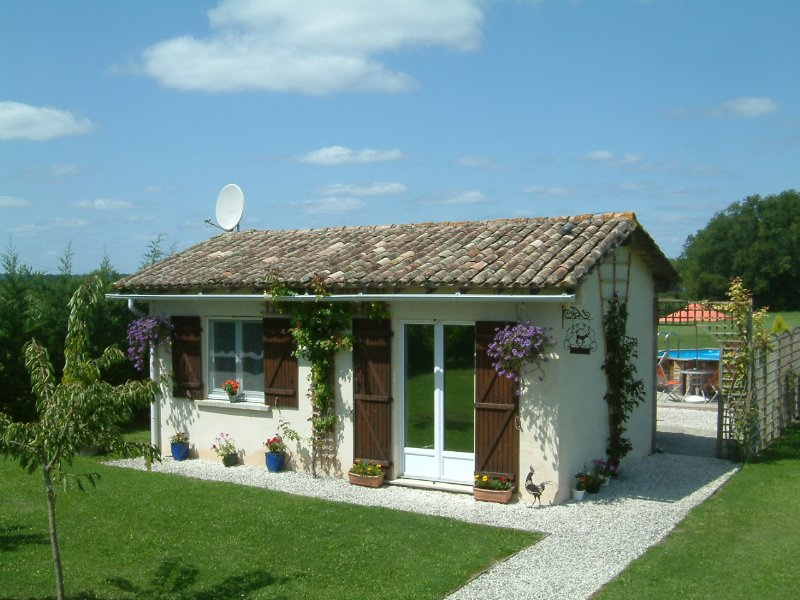 Beau Ciel Gite (Near Eymet), holiday rental in Peyriere
