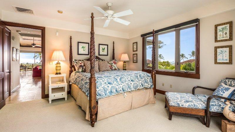 Terza camera da letto, livello superiore, con letto king-size.