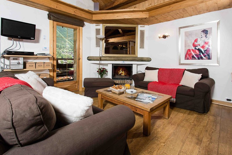 Stay at Les Pelerins Apartment with 'Very Good' Property Manager 4.5/5, vacation rental in Chamonix