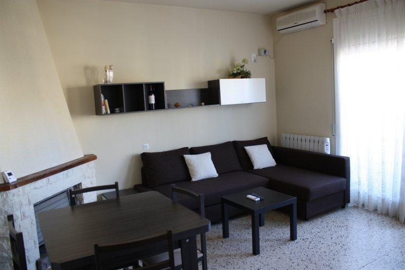 ÁTICO 3 habitaciones y terraza a pocos metros de la playa, alquiler de vacaciones en Segur de Calafell