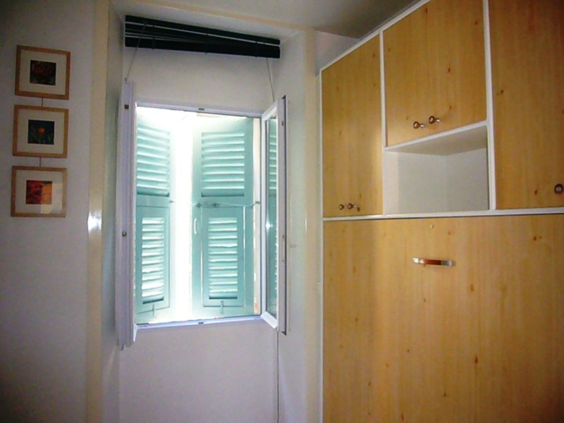 Room (courtyard side) - closed bed to make space
