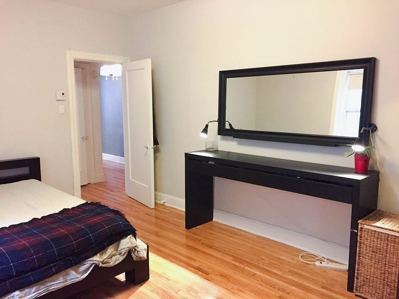 Cozy 1 bedroom apartment in historic downtown building ...