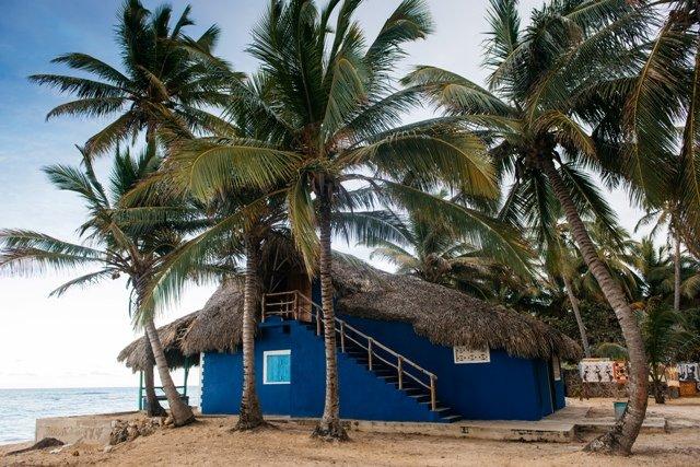 The Beach House, Casa tipo cabaña de lujo sobre la playa, holiday rental in Palmilla