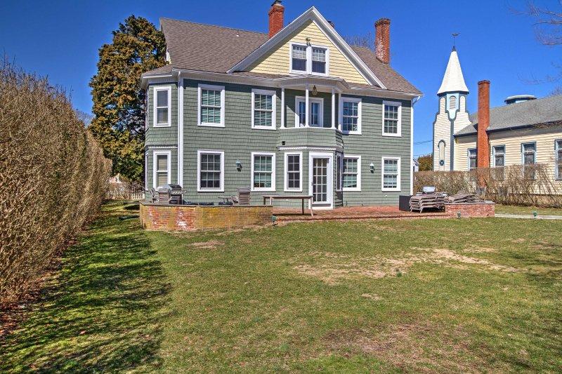 Esta casa está convenientemente localizado a apenas 3/4 de uma milha da praia!