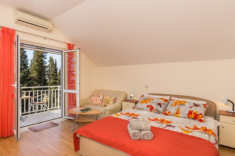 A2 Room 1 with balcony