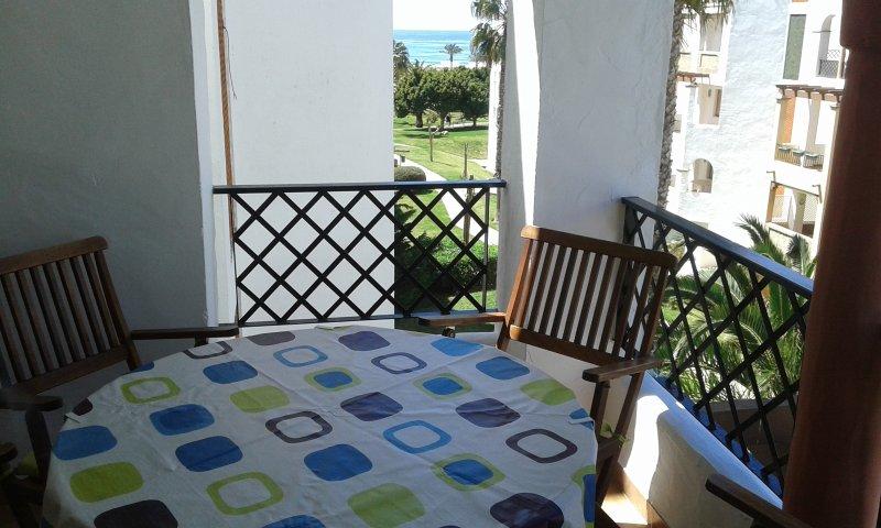 Apartamento Atlanterra Playa, Zahara de los Atunes, holiday rental in Zahara de los Atunes