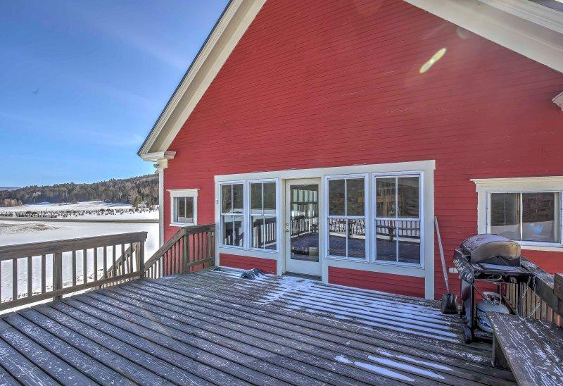 Avoir la parfaite escapade East Burke dans cette maison de location de vacances 4BR, 2-bain!