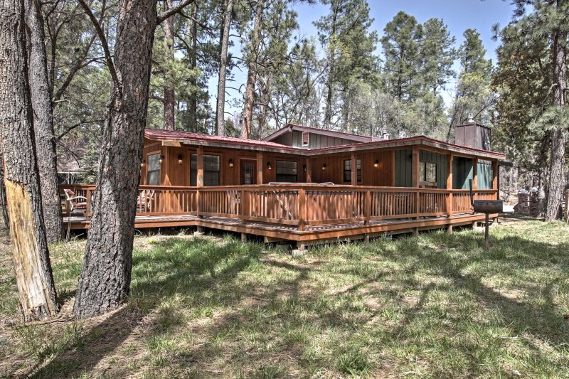Retreat to this river's edge vacation rental home in Ruidoso. With 3 bedrooms and 2 bathrooms, it's the perfect place for families, friends, or couples traveling together!