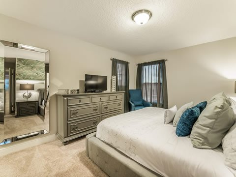 Oven,Furniture,Bedroom,Indoors,Room