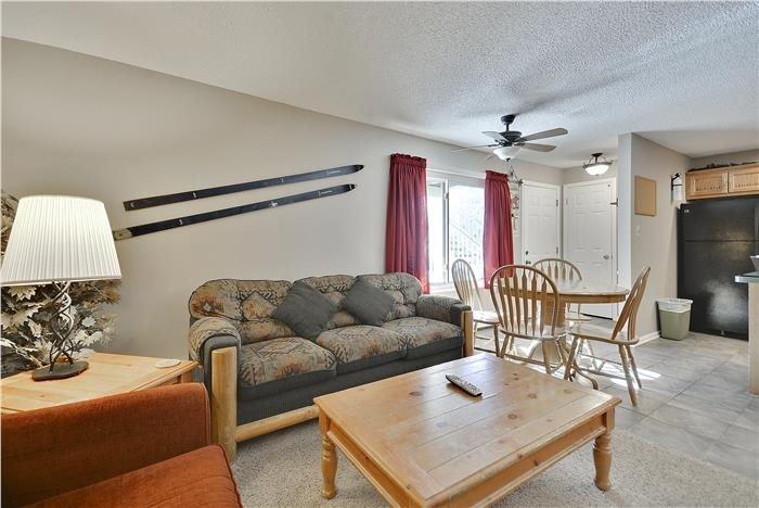 Couch, Möbel, Innenaufnahme, Zimmer, Stuhl