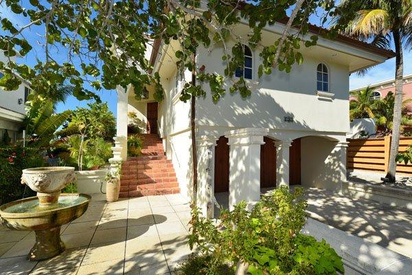 Vine, Building, Cottage, Tree, Bench