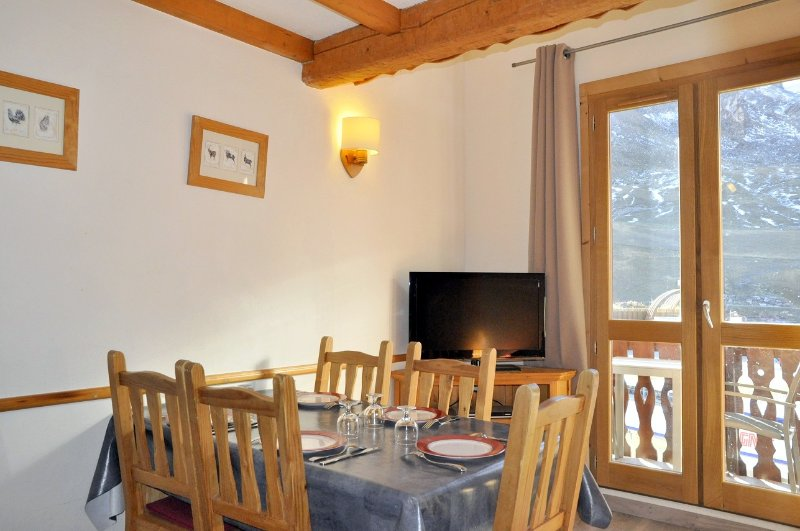 Dining place for 5 persons