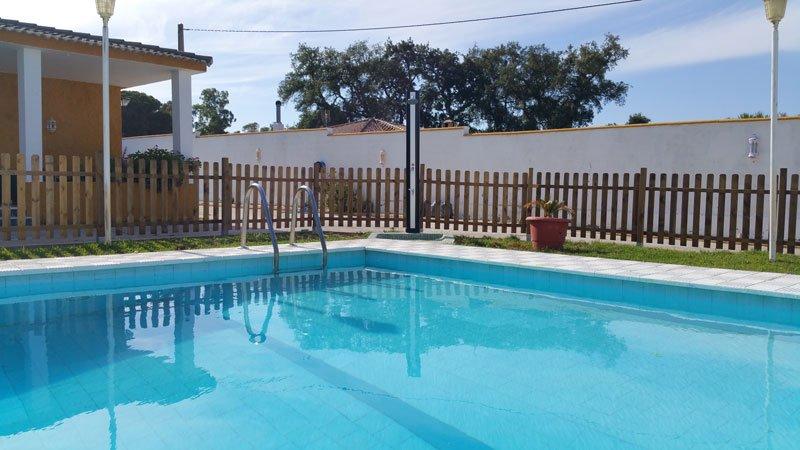 Chalet Rural  4 dormitorios con piscina, vacation rental in Barbate