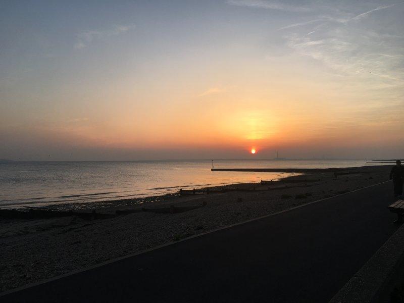 Beautiful 2 Bed Sea View Chalet, location de vacances à Lee-on-the-Solent