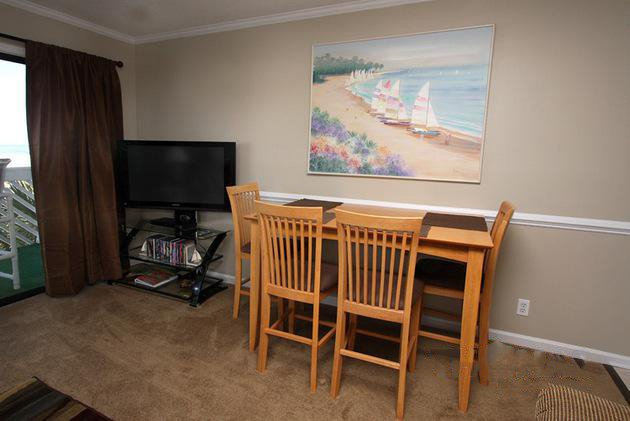 Screen,TV,Television,Dining Table,Furniture