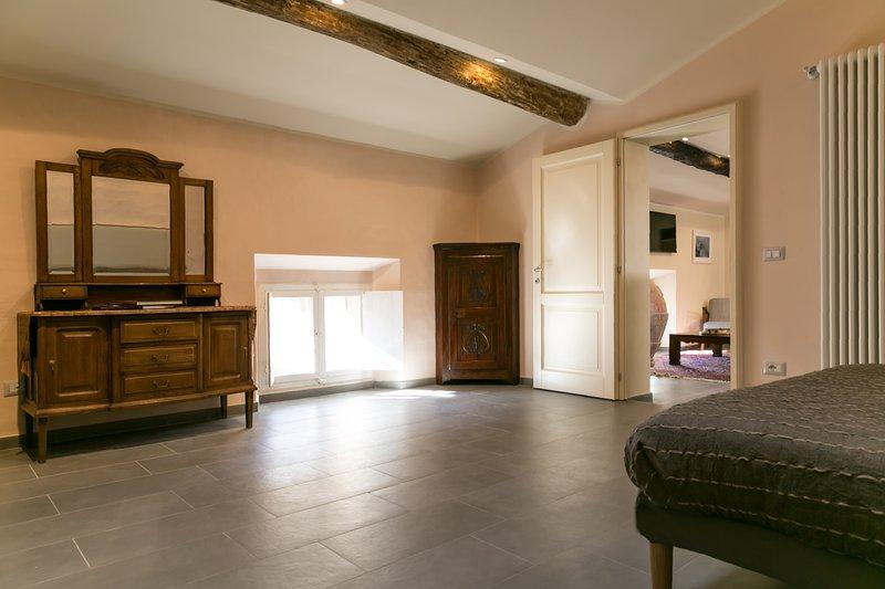 fourth bedroom (details)