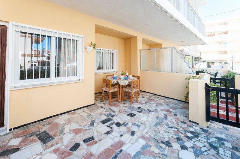 PANDORA 1 - Apartment for 6 people in Playa De Miramar, casa vacanza a Bellreguard