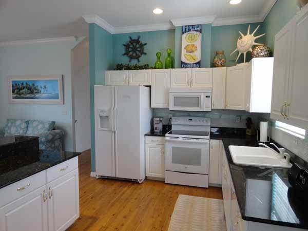 Oven, Sink, Indoors, Loft, Room