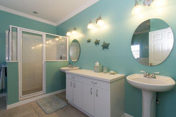 Bathroom, Indoors, Room, Furniture, Kitchen