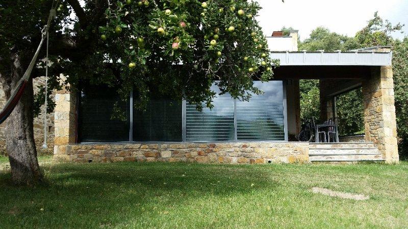 ALOJAMIENTO MAREL VILLARINO DE SANABRIA, aluguéis de temporada em San Justo