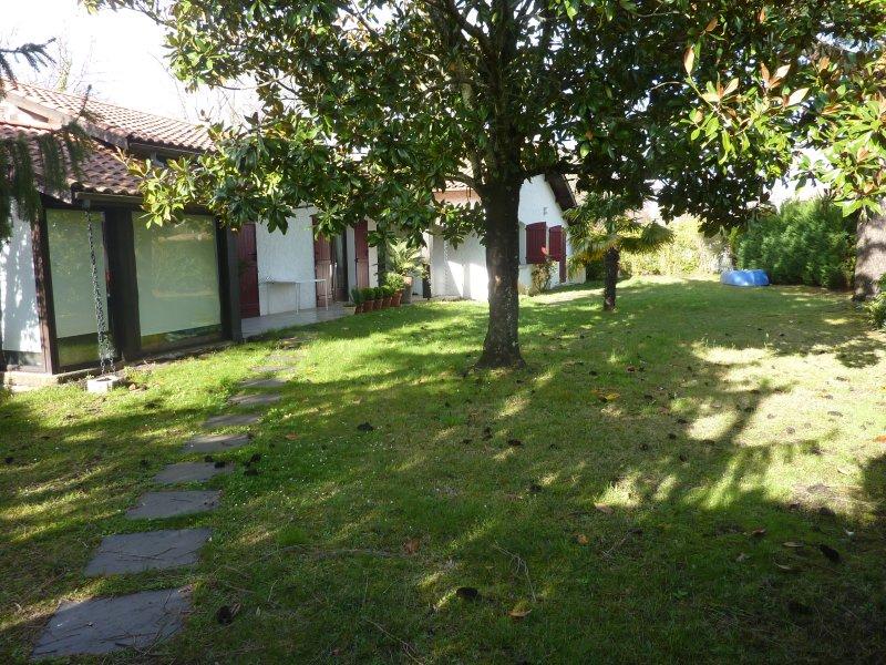 Maison Andernos Bassin d'Arcachon 8 couchages - Piscine chauffée, vacation rental in Taussat