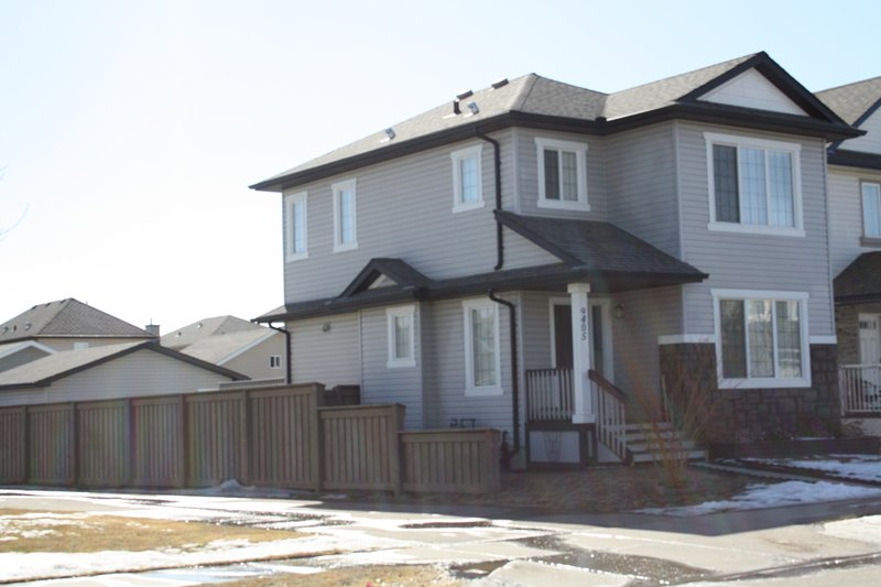 All inclusive 3bd Luxrious Home for Rent, Ferienwohnung in Edmonton