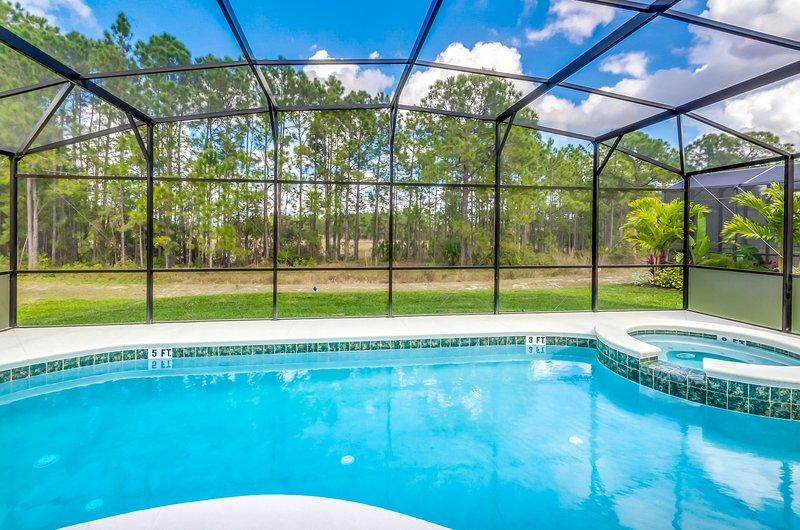 Vistas de conservación junto a la piscina