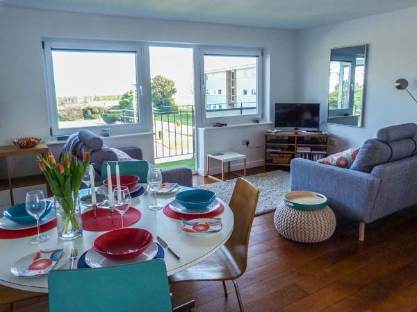 SANDETTIE VIEW, sea views, well-presented, balcony, in Walmer, Ref 955905, vacation rental in Great Mongeham