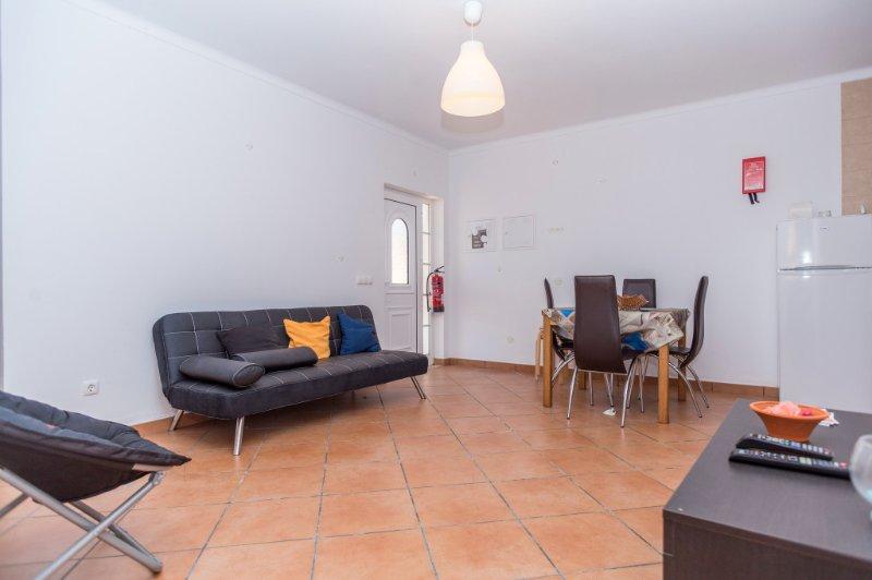 Dire Green Apartment, Odeceixe, Algarve, vacation rental in Odeceixe