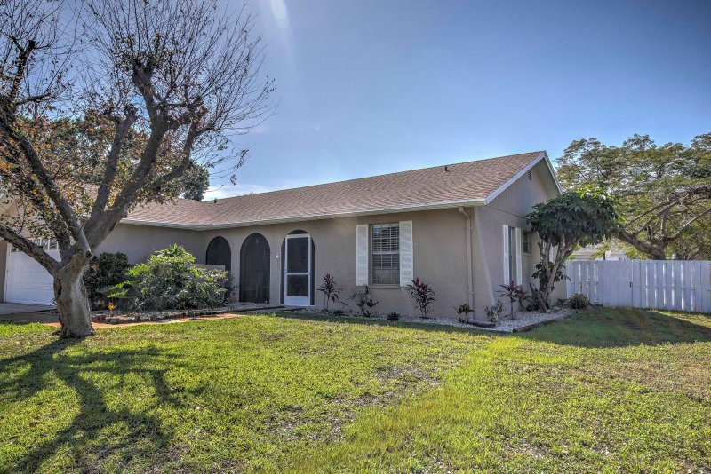 Situated in a residential neighborhood, this house is perfect for your getaway!