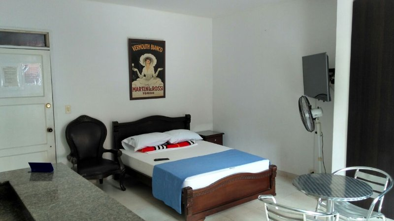 Comfortably Furnished Studio Apartment 1, holiday rental in Palmira