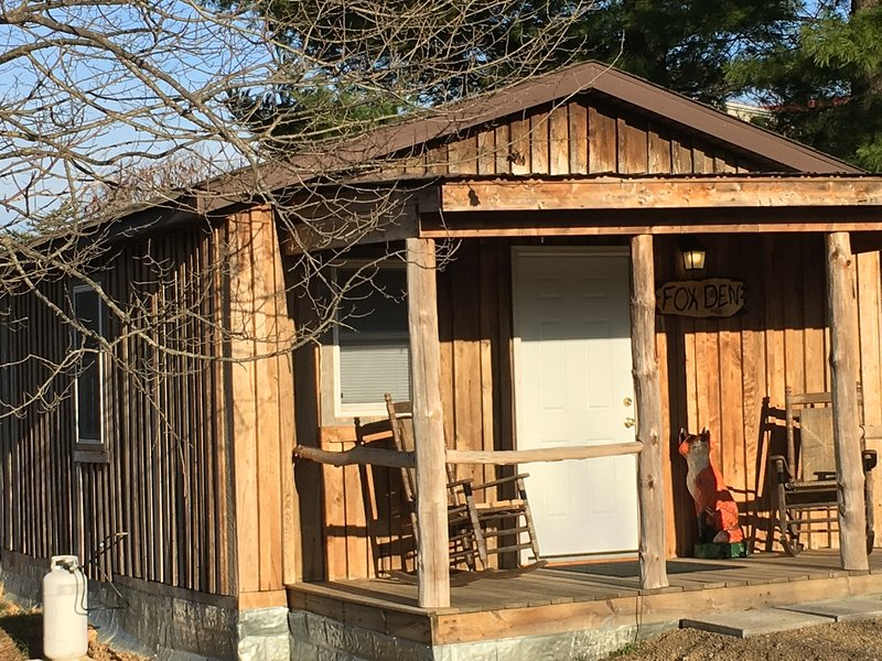Fox Den 1st Choice Cabin Rentals Hocking Hills Ohio, location de vacances à Haydenville