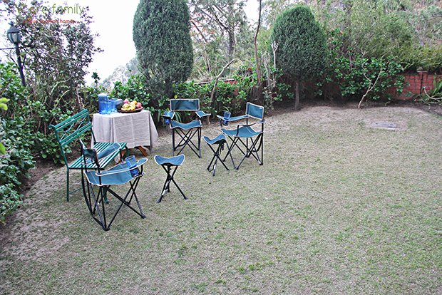 Large garden with 180-degree views of the mountains and pine forests. enjoy breakfast or tea served