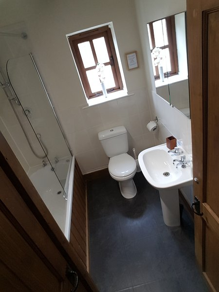 Blakemere Bathroom