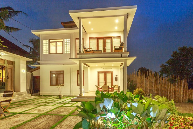 Luxe villa minutes from ubud market pool large patio on sale now