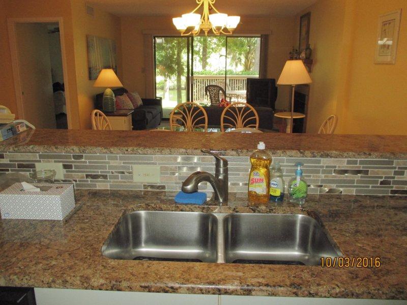 Kingston Plantation Lake Front Villa, holiday rental in Arcadian Shores