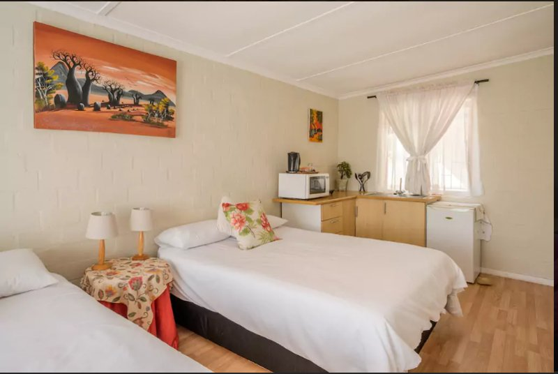 Two Oceans Guesthouse- Protea Room, vacation rental in Glencairn