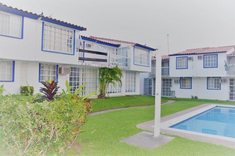 ACAPULCO DIAMANTE HOUSE, holiday rental in El Marques
