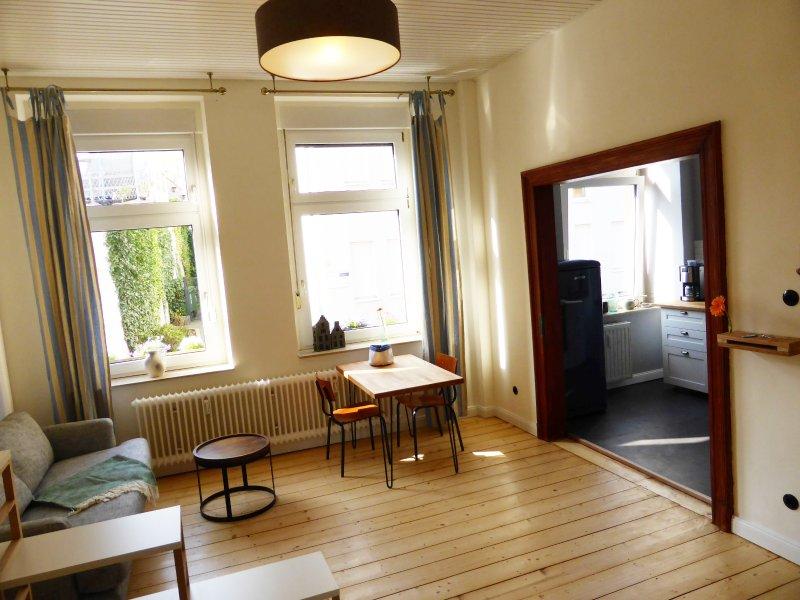 """Altbau-Apartment """"De Chaadebloom"""" in der Mülheimer Altstadt, holiday rental in Ratingen"""